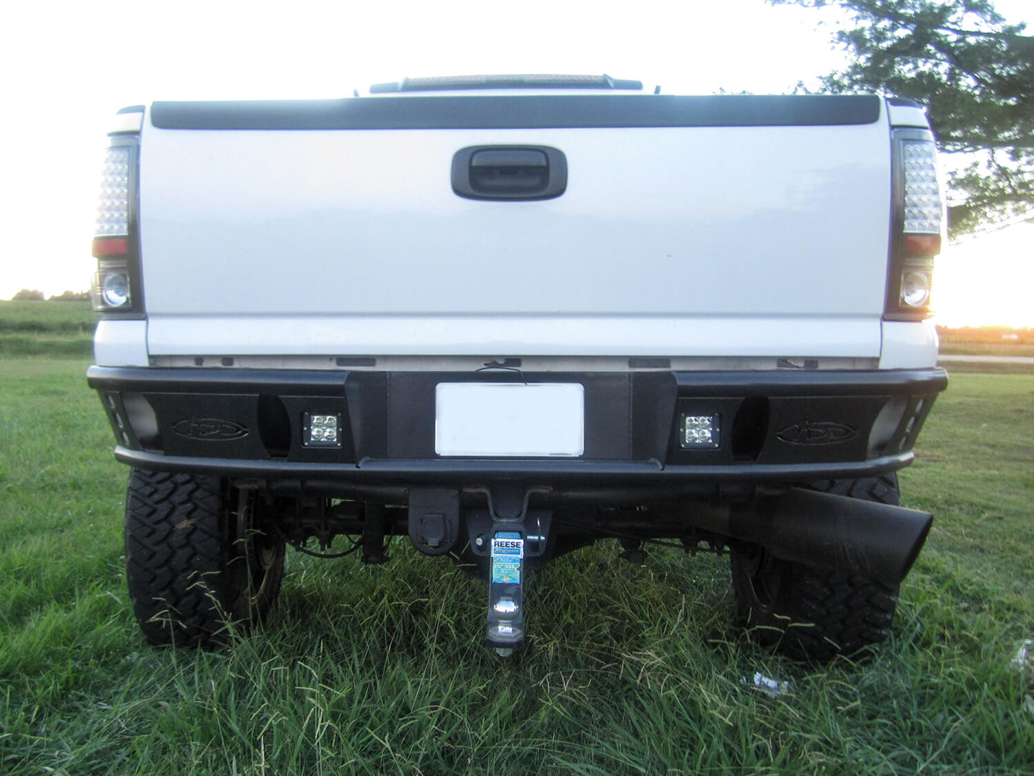 1999 - 2007 Chevy 2500/3500 Dimple R rear bumper set up for duallys in hammer black